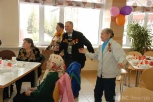 Группа компаний «АБС Электро» поздравила ветеранов с 69-ой годовщиной со Дня Победы(7)